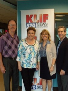 Guests Mike Tuttle and Toni Tuttle, Vickie Henry, and host Steve A. Klein.